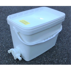 Plastic Tank with Valve (15kg)