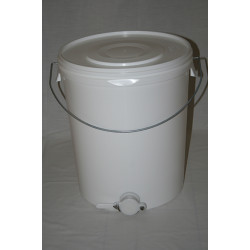 Plastic Tank with Valve (40kg)